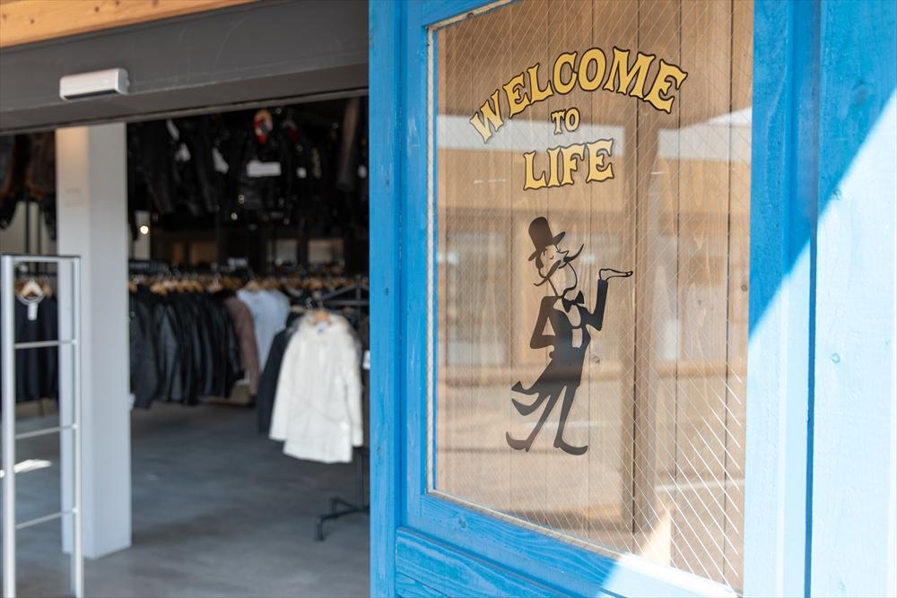 ブランド古着LIFE店舗入り口2画像